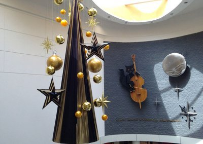 Cat & Fiddle Arcade Contemporary Christmas Tree