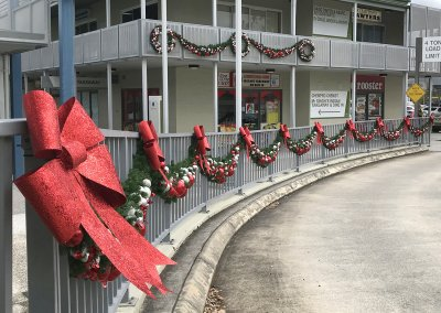 Jimboomba Shopping Centre Outdoor Christmas Garlands & Wreaths
