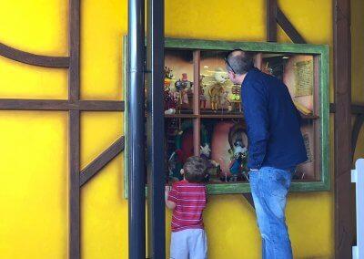 Warratah Shopping Centre Custom Santa House Animations Window Close Up